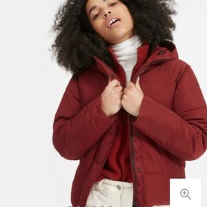 The ReNew Short Puffer red